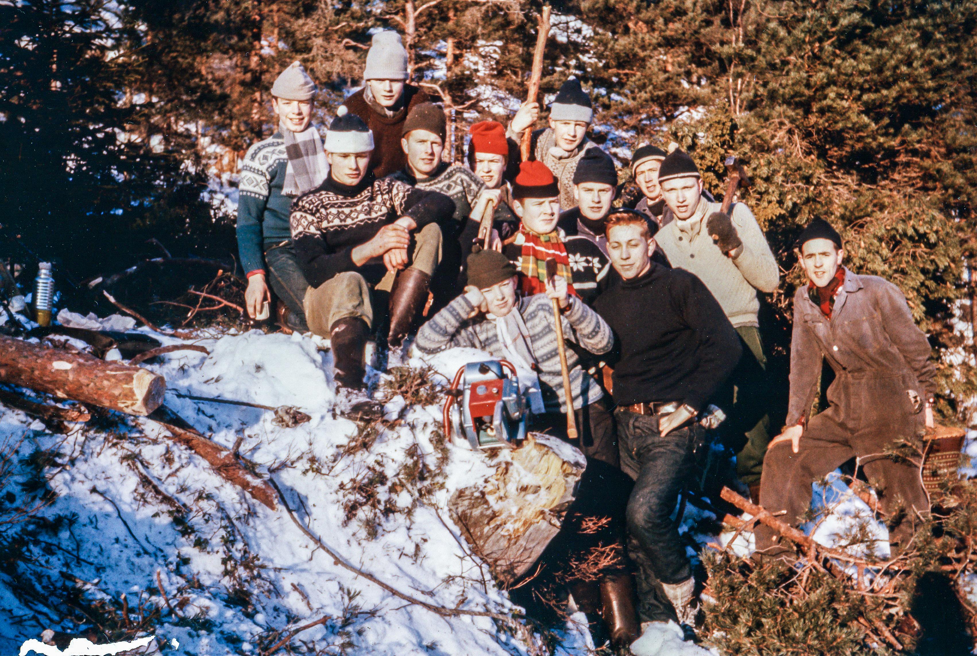 Frå venstre: Bjarte Kvåle, Leif Vik, Odd Harald Kvåle, Johannes Kvåle, Terje Tveit, Torleif Bakke, Gunnar Kvåle, Per Kristian Vik, Bjørn Terje Hauge, Kjell Henrik Vestvik, Per Vik, Olav Einar Kvåle og Tor Vik.